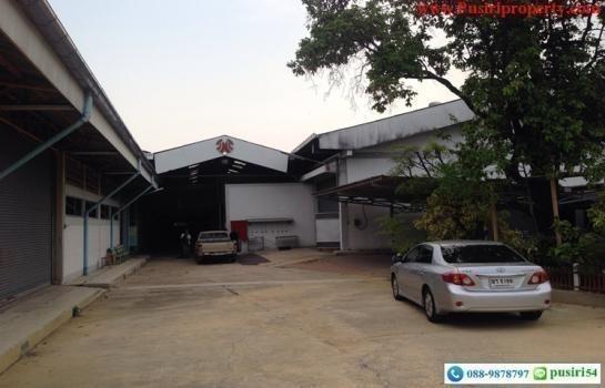 For Sale Warehouse 11 rai in Krathum Baen, Samut Sakhon, Thailand | Ref. TH-ELREQJOT