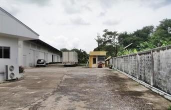 Located in the same area - Nong Khae, Saraburi