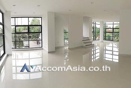 For Rent 一戸建て 500 sqm in Bangkok, Central, Thailand