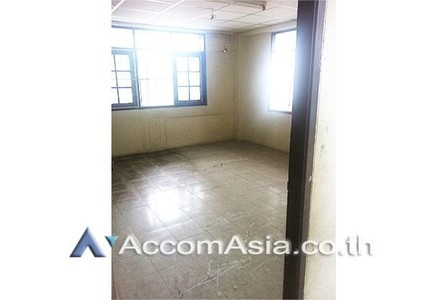 For Sale Shophouse 600 sqm in Khlong San, Bangkok, Thailand