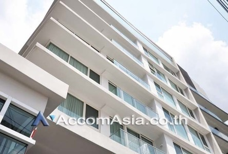 For Rent Retail Space 30 sqm in Bangkok, Central, Thailand