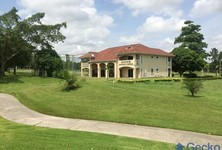 For Sale or Rent 6 Beds 一戸建て in Si Racha, Chonburi, Thailand