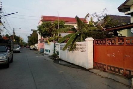 For Sale 3 Beds House in Phra Samut Chedi, Samut Prakan, Thailand