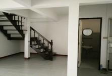 В аренду: Таунхаус с 3 спальнями в районе Mueang Chiang Mai, Chiang Mai, Таиланд