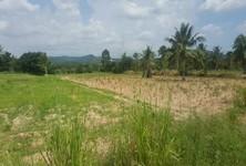 Продажа: Земельный участок 42 рай в районе Si Racha, Chonburi, Таиланд