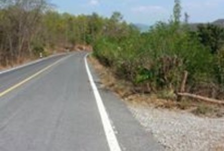 For Sale Land 207 rai in Mueang Lamphun, Lamphun, Thailand