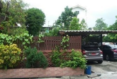 For Sale Apartment Complex 16 rooms in Mueang Samut Prakan, Samut Prakan, Thailand