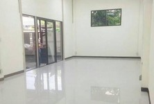 For Rent Warehouse 430 sqm in Suan Luang, Bangkok, Thailand