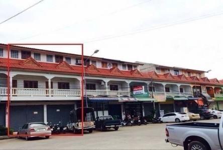В аренду: Шопхаус с 4 спальнями в районе Muang Nan, Nan, Таиланд