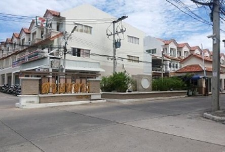 В аренду: Шопхаус с 4 спальнями в районе Mueang Phuket, Phuket, Таиланд