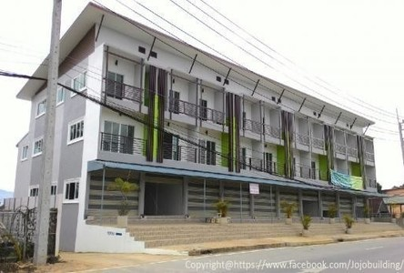 For Sale 4 Beds Shophouse in Chiang Khong, Chiang Rai, Thailand