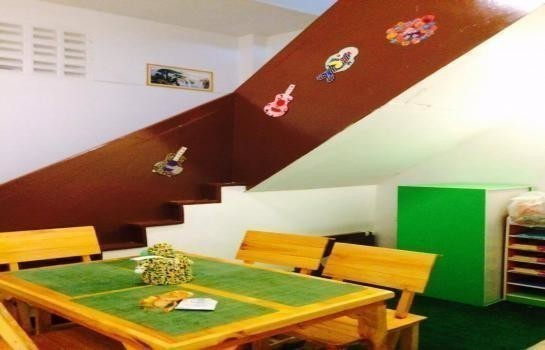 For Sale 3 Beds Shophouse in Mueang Suphanburi, Suphan Buri, Thailand | Ref. TH-SSHLDOYD