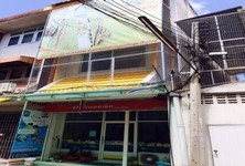 For Sale 3 Beds Shophouse in Mueang Suphanburi, Suphan Buri, Thailand