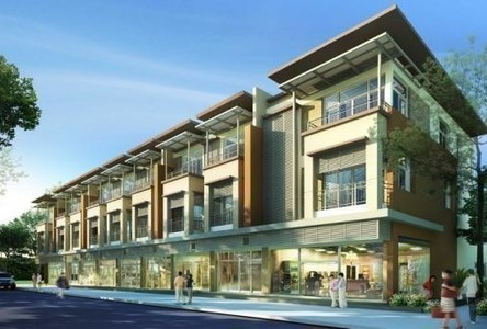 For Sale 4 Beds Shophouse in Mueang Buriram, Buriram, Thailand