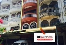 For Sale 3 Beds Shophouse in Mueang Samut Prakan, Samut Prakan, Thailand