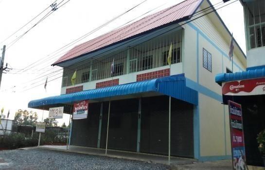 For Sale 2 Beds Shophouse in Mueang Prachinburi, Prachin Buri, Thailand | Ref. TH-JHTVFWCN
