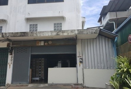 For Sale Shophouse 35 sqwa in Bang Khun Thian, Bangkok, Thailand