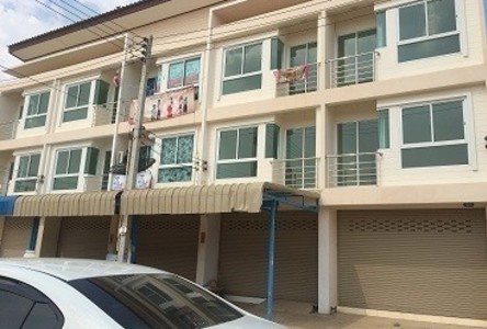 For Sale or Rent 2 Beds Shophouse in Mueang Chachoengsao, Chachoengsao, Thailand