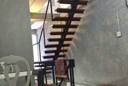 For Sale 1 Bed Shophouse in Pathum Wan, Bangkok, Thailand