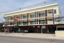 For Rent 3 Beds Shophouse in Mueang Rayong, Rayong, Thailand