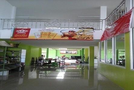 Продажа: Шопхаус с 4 спальнями в районе Wang Thong, Phitsanulok, Таиланд