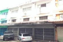 For Sale 6 Beds Shophouse in Bangkok Noi, Bangkok, Thailand