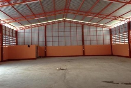 For Rent Warehouse 200 sqwa in Lam Luk Ka, Pathum Thani, Thailand