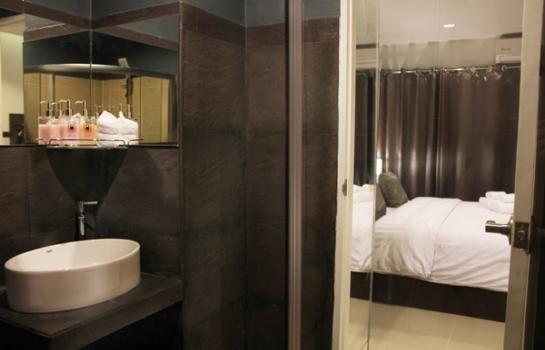 ขาย อาคารพาณิชย์ 8 ห้องนอน กะทู้ ภูเก็ต | Ref. TH-IUYZMPYP