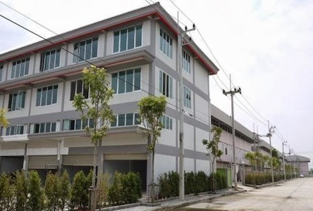 For Rent Shophouse 324 sqm in Lam Luk Ka, Pathum Thani, Thailand