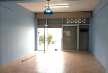 For Sale or Rent 6 Beds Shophouse in Mueang Lop Buri, Lopburi, Thailand