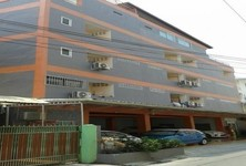For Sale Apartment Complex 33 rooms in Chatuchak, Bangkok, Thailand