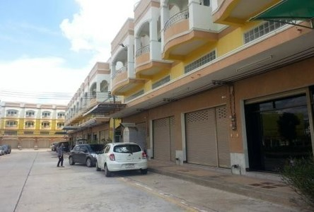 For Rent 2 Beds Shophouse in Mueang Nakhon Ratchasima, Nakhon Ratchasima, Thailand