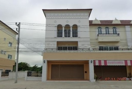 For Rent 3 Beds Shophouse in Mueang Nakhon Ratchasima, Nakhon Ratchasima, Thailand