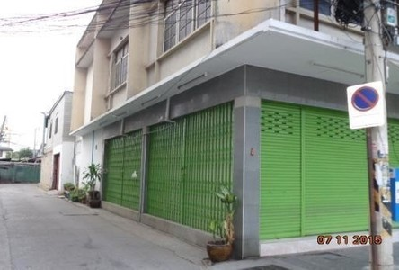 For Rent Shophouse 110 sqm in Mueang Nakhon Ratchasima, Nakhon Ratchasima, Thailand