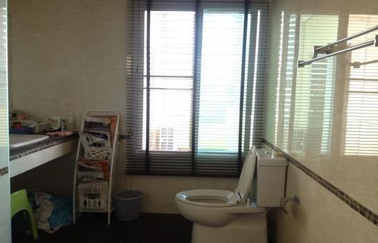 Продажа: Офис с 5 спальнями в районе Bang Kapi, Bangkok, Таиланд | Ref. TH-HHLOEDWQ