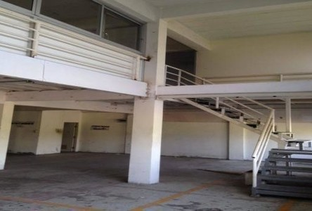 For Rent Warehouse 180 sqm in Khlong Luang, Pathum Thani, Thailand