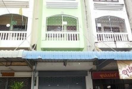В аренду: Шопхаус 16 кв.ва. в районе Sam Phran, Nakhon Pathom, Таиланд