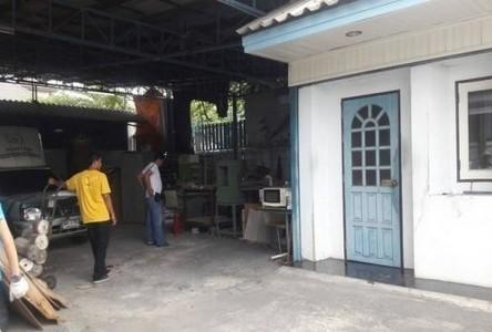 В аренду: Склад 111 кв.ва. в районе Phra Khanong, Bangkok, Таиланд