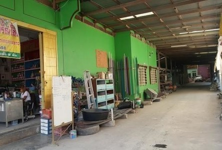 For Sale Warehouse 250 sqwa in Lat Yao, Nakhon Sawan, Thailand