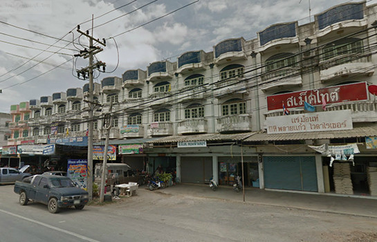 For Sale 7 Beds Shophouse in Song Phi Nong, Suphan Buri, Thailand | Ref. TH-ZTNKCUGC