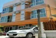 For Sale or Rent Apartment Complex 12 rooms in Mueang Chon Buri, Chonburi, Thailand