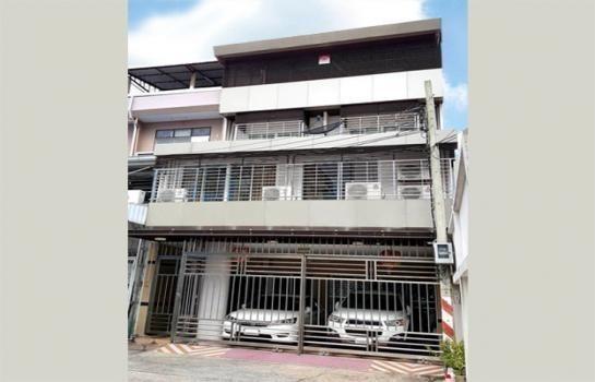 For Sale 5 Beds Shophouse in Yan Nawa, Bangkok, Thailand   Ref. TH-JKNPDSVR