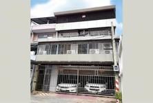 For Sale 5 Beds Shophouse in Yan Nawa, Bangkok, Thailand