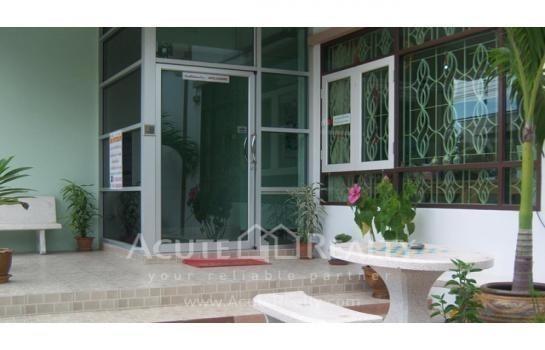 For Sale Apartment Complex 31 rooms in Mueang Samut Prakan, Samut Prakan, Thailand | Ref. TH-BDRFDVXD