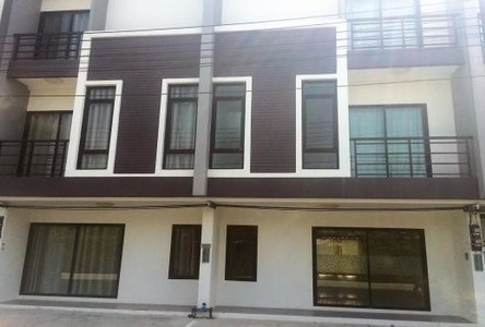 For Rent 2 Beds Shophouse in Mueang Chiang Mai, Chiang Mai, Thailand