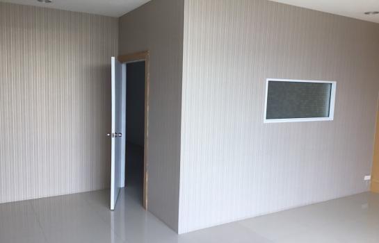 В аренду: Шопхаус с 4 спальнями в районе Pak Kret, Nonthaburi, Таиланд | Ref. TH-CVVUBZCM