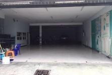 For Rent Warehouse 820 sqm in Bang Khun Thian, Bangkok, Thailand