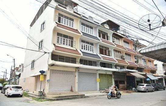 For Sale Shophouse 232 sqm in Thawi Watthana, Bangkok, Thailand | Ref. TH-QECMGTER