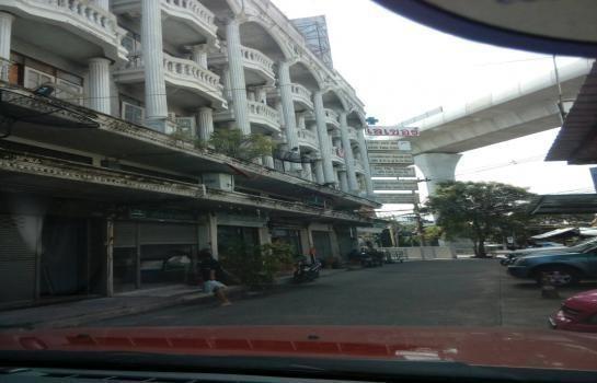 Продажа: Шопхаус 20 кв.ва. в районе Mueang Nonthaburi, Nonthaburi, Таиланд | Ref. TH-PIDGPKAK