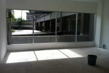 For Rent Shophouse 37.5 sqm in Mueang Nonthaburi, Nonthaburi, Thailand